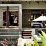 deluxe-pool-villa1