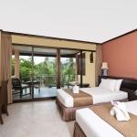 2010-room-hotel-room-lr
