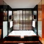 re_ocean-front-villa-bathroom
