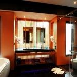 re_pool-villa-bath-room