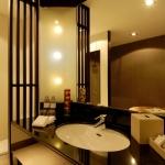 redeluxe-oasis-bathroom-1-007