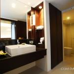 3-2-grand-deluxe-room-ramada-plaza-menam-riverside-bangkok