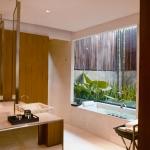 plunge-pv-bathroom-2