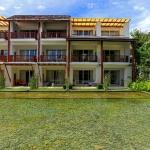 veranda-deluxe-building