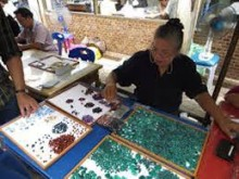 Bo Rai Gems Market nebo Talat Ploy