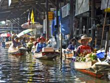 Plovoucí trhy na Damnoen Saduak