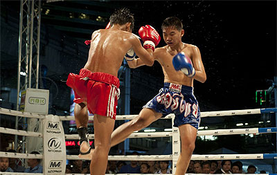 Koh Samui v noci (večeře & thai boxing)