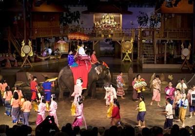 Kulturní Show v Sampran Riverside (Rose Garden)